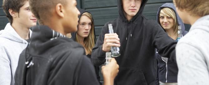 плохая компания подростков